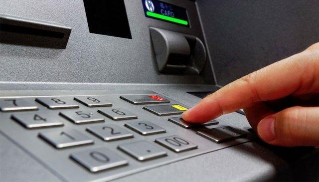 Как пополнить карту Сбербанка наличными через банкомат